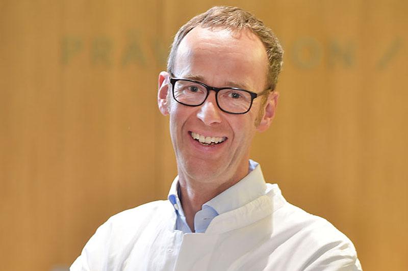 Gastroenterologe Dr. Thomas Riedel vom Zentrum / Innere Medizin / Fünf Höfe in München